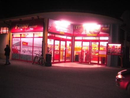 CARMAGNOLA - Furti nei supermercati: nei guai una tredicenne carmagnolese. Denunciate anche tre nomadi