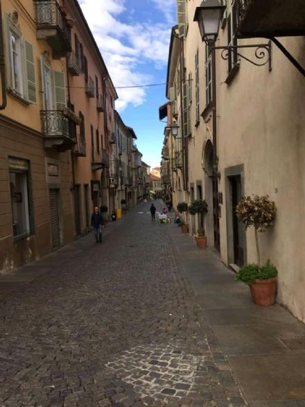 MONCALIERI - Il flop del mercatino della domenica manda in bestia i negozianti