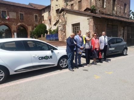 CARMAGNOLA - Inaugurato bus elettrico, colonnine e car sharing per combattere linquinamento