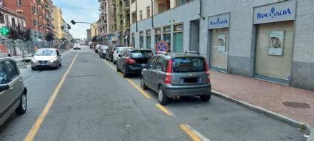 MONCALIERI - La protesta degli autisti Gtt: Troppe auto in doppia fila o sulle fermate
