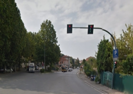 MONCALIERI - Iniziati i lavori per la sistemazione del vista red in viale del Castello