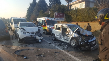 RIVALTA - Maxi tamponamento in strada San Luigi: sei mezzi coinvolti, due feriti - FOTO