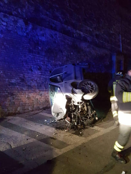 MONCALIERI - Morto il giovane gravemente ferito nellincidente di martedì notte