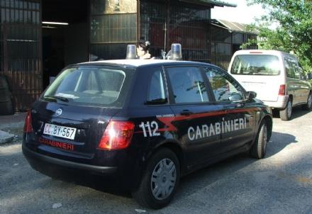 RIVALTA - Custodiva in officina zainetti e vestiti rubati. Carrozziere rivaltese arrestato per ricettazione