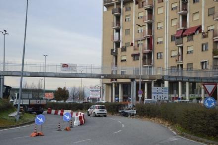 NICHELINO - La nuova passerella di largo Delle Alpi è realtà