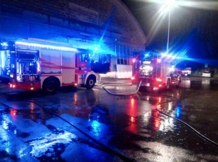 CARMAGNOLA - Incendio alla Bisconova: forno e linea produttiva distrutti