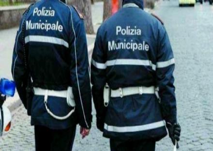 NICHELINO - Incidente davanti alle scuole di via Trento: un ferito