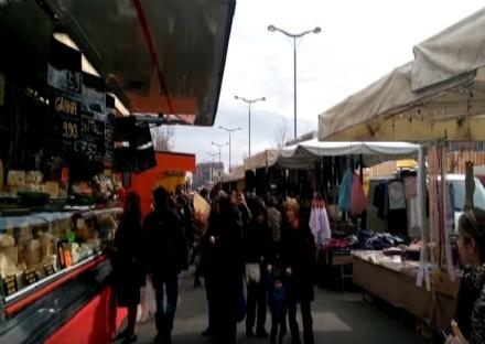 MERCATI - Nessuna riapertura per i banchi nel centro storico di Moncalieri e a Nichelino