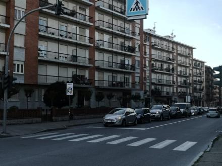 MONCALIERI - Nuovo semaforo in corso Roma, caos sul ponte del Sangone