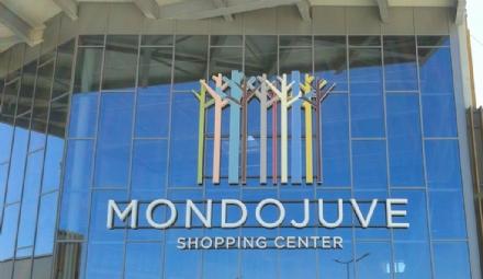 NICHELINO - Furto in gioielleria a Mondojuve: caccia a tre persone