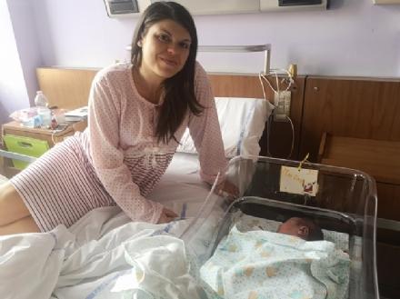 MONCALIERI - Martina la prima nata al Santa Croce nel nuovo anno
