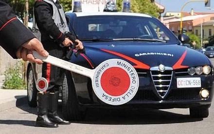 RIVALTA - La mamma lo chiama sul telefonino mentre scappa dai carabinieri e viene rintracciato