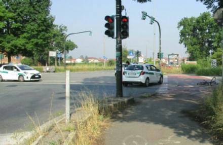 NICHELINO - Due ciclisti investiti in zona Stupinigi durante la mattinata