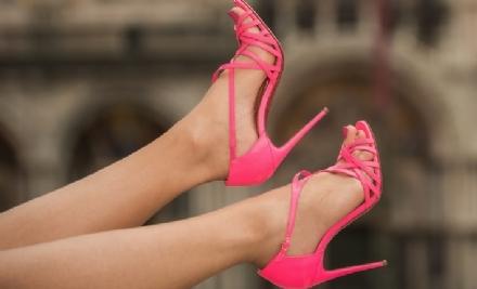 CANDIOLO - Il Comune raccoglie scarpe di donna usate per creare unopera contro la violenza