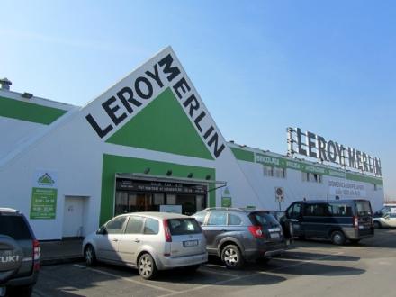 MONCALIERI - Tenta di rubare da Leroy Merlin, lo ferma un carabiniere fuori servizio