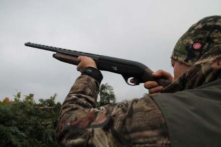 SANGANO - Colpi di arma da fuoco vicino alle case: cacciatori redarguiti