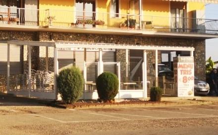 MONCALIERI - Gli chiudono il bar per cinque giorni per un cliente che consuma vicino: Un abuso