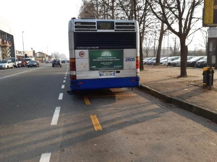 CINTURA SUD - Trasporti sempre peggio: allautobus 14 cadono i pezzi, principio di incendio sul 43