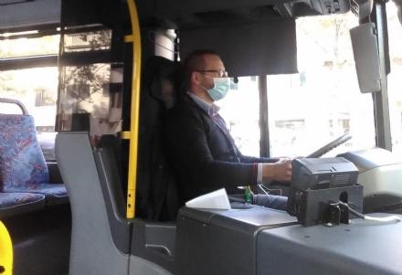 MONCALIERI - Anche sugli autobus Canova ci sarà la porta divisoria tra autista e passeggeri