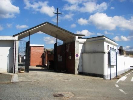 BEINASCO - Cimitero di nuovo nel mirino dei ladri