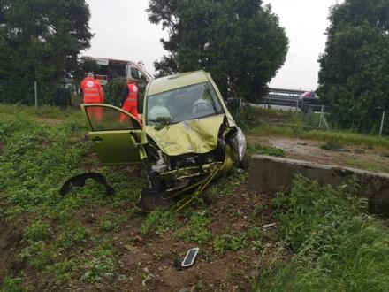 CANDIOLO - Incidente sulla Torino-Pinerolo, una donna ferita