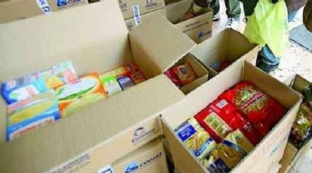 CARMAGNOLA - Tensione al campo nomadi per la consegna dei pacchi alimentari