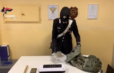 NICHELINO - Litiga con il figlio e lo denuncia davanti ai carabinieri di spacciare