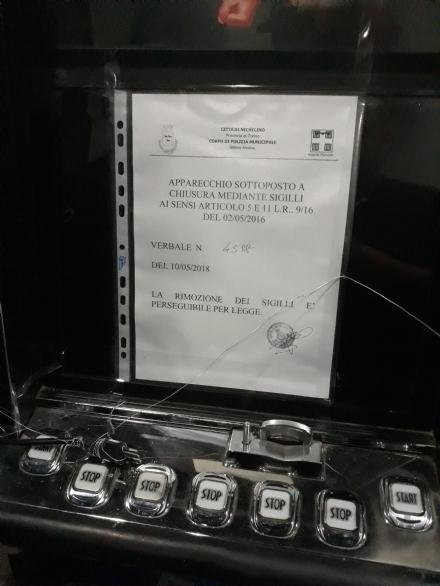 NICHELINO - Slot machine accese nel bar vicino alla chiesa: multa di 8 mila euro