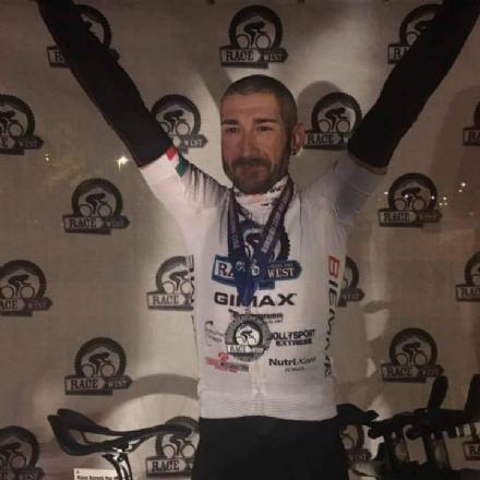 Il moncalierese Marcello Luca vince la corsa in bici americana estrema