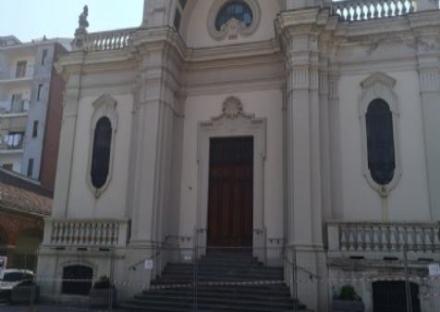 PIOSSASCO - Ladri in parrocchia mettono a soqquadro i locali