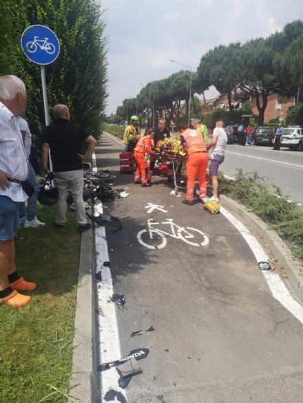 VINOVO - Ancora un motociclista coinvolto in un incidente: chiusa via Stupinigi