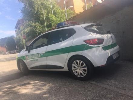 MONCALIERI - La polizia locale sequestra un camper rom in via Papa Giovanni XXIII