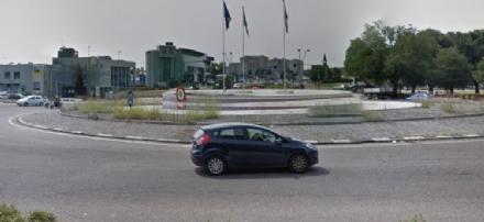 CANTIERI - In ultimazione i lavori alla rotatoria Maroncelli: resta il nodo traffico su Moncalieri