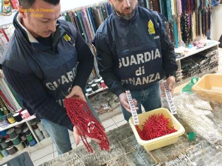 MONCALIERI - Pietre preziose farlocche vendute per buone: maxi sequestro della finanza in città - FOTO
