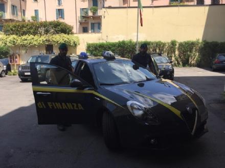 MONCALIERI - Aperitivi seduti nei dehor: multato un bar in corso Trieste