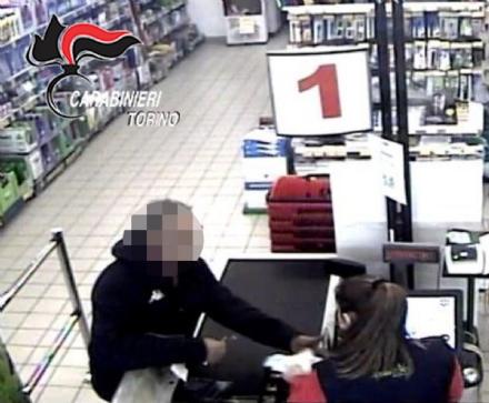 PIOBESI - Arrestato il rapinatore del supermercato Dpiù