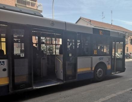 MONCALIERI - Il bus salta la fermata e tra un passeggero e il conducente scoppia la rissa