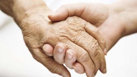 ORBASSANO - Spesa dei carabinieri ai nonnini soli, il Comune: Rintracciati i parenti, messa in moto la macchina sociale