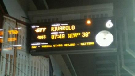 TROFARELLO - Guasto a un passaggio a livello, odissea per i pendolari