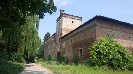 MONCALIERI - Con linizio dellestate arrivano i cacciatori di fantasmi al Castello della Rotta
