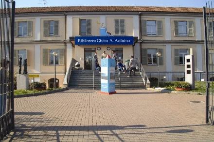 MONCALIERI - La biblioteca protagonista nelle iniziative collegate al Salone del Libro