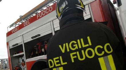 MONCALIERI - Va a fuoco una macchina al 45esimo parallelo: paura sabato sera
