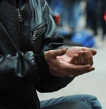 CARMAGNOLA - Il Presidente della Repubblica cancella lordinanza anti mendicanti