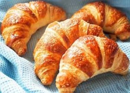 PIOSSASCO - Misterioso benefattore regala i croissant al centro Avis per i donatori