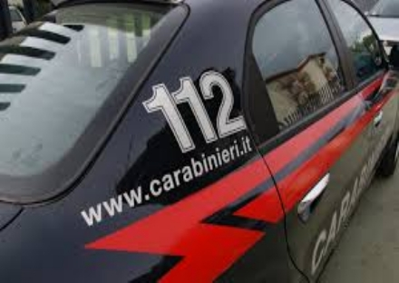 MONCALIERI - Tenta di rubare in unauto, bloccato dai cittadini e arrestato dai carabinieri