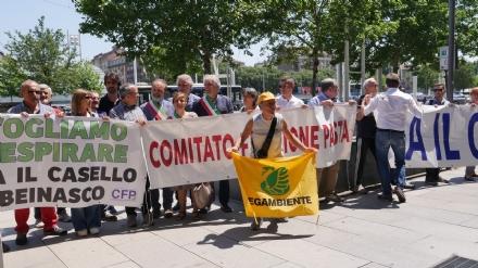BEINASCO - I sindaci sotto la Città Metropolitana per chiedere la soppressione del casello