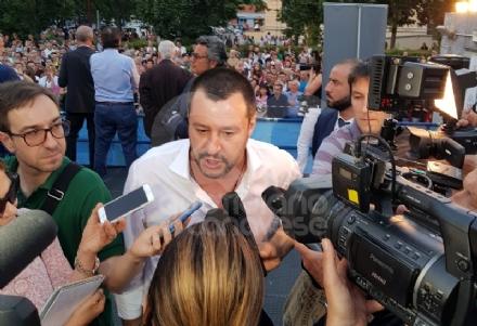 NICHELINO-CARMAGNOLA - Salvini: «Immigrazione sregolata è business per i criminali»