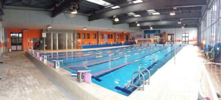 CARMAGNOLA - Con il 5 per mille il Comune compra un sollevatore per disabili in piscina