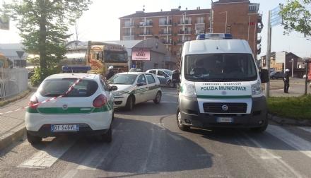 CARMAGNOLA - Accoltella il «rivale» in un parcheggio e lo ferisce alla testa: denunciato dai vigili