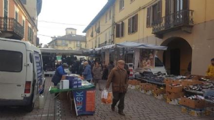 CARMAGNOLA - Dal 29 agosto parte del mercato del mercoledì si sposta in piazza IV Martiri